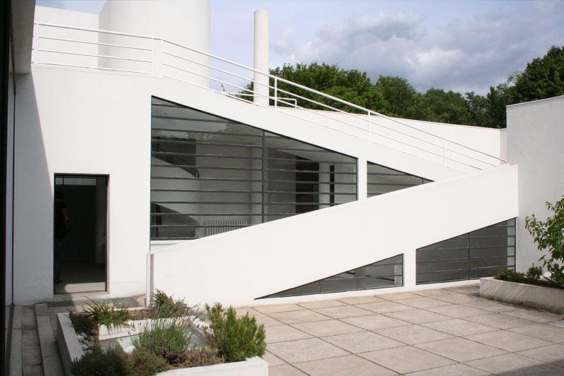 800px-Villa_Savoye_rampes